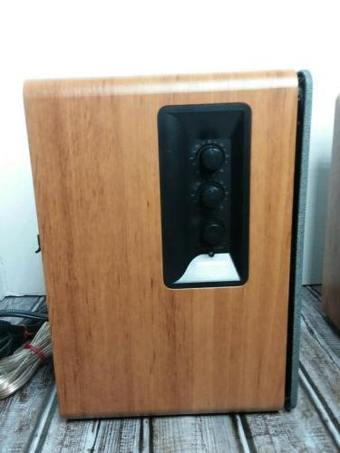 Edifier Bookshelf Speakers VGC LOOK!!